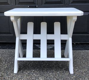 Magazine book end table for Sale in Tacoma, WA