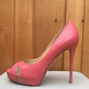 Valentino crisscross mesh peep-toe pink leather pumps size 37.5 for Sale in Redondo Beach, CA