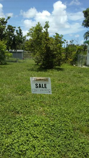 Almost one quarter acre lot wpb area.Building is available. for Sale in West Palm Beach, FL
