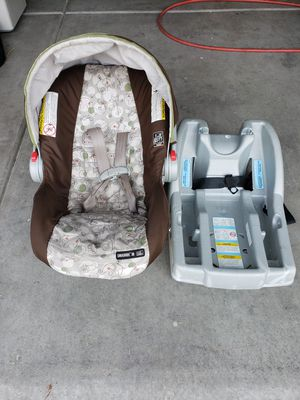 Car seat with stroller for Sale in Las Vegas, NV