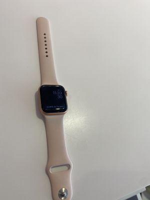 Apple Watch series 5 40 mm GPS & Celluar for Sale in Wenatchee, WA