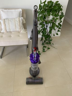 Dyson DC50 Animal Compact Upright Vacuum Cleaner, Iron/Purple - Corded for Sale in Miami, FL