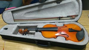 4/4 violin with rosin, bow, case, and extra strings for Sale in Acworth, GA