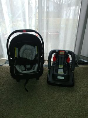 Click conect car seat for Sale in Hanover Park, IL