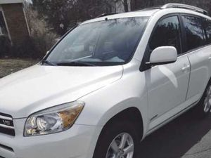 White and Tan / Toyota RAV 4 for Sale in Columbus, OH