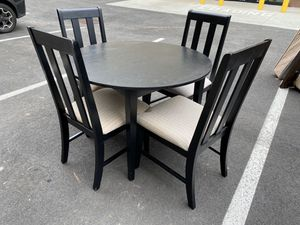 4 piece dining table for Sale in Norcross, GA