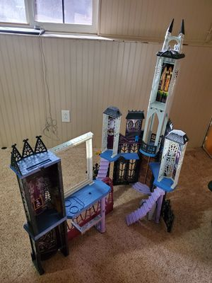 Monster high castle for Sale in Colorado Springs, CO