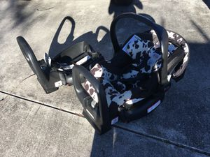 Britax infant car seat for Sale in Leland, NC