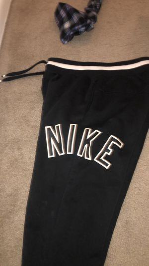 NIKE SWEAT SUIT for Sale in Columbia, MD