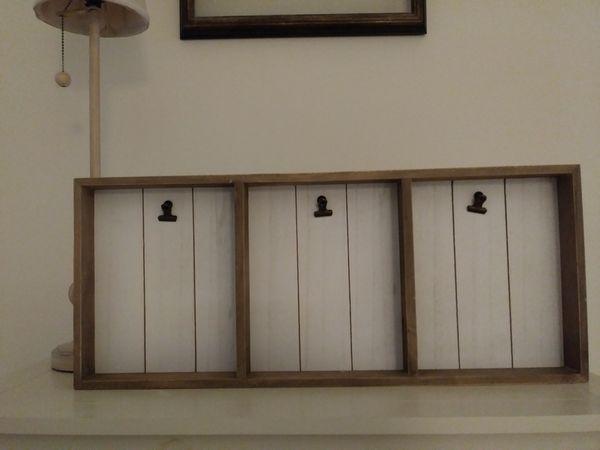 picture holder - wall & shelf decor *like new