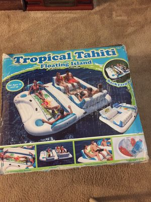 Tropical Tahiti float for Sale in Aledo, IL