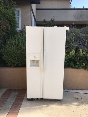 Free Refrigerator for Parts for Sale in Anaheim, CA