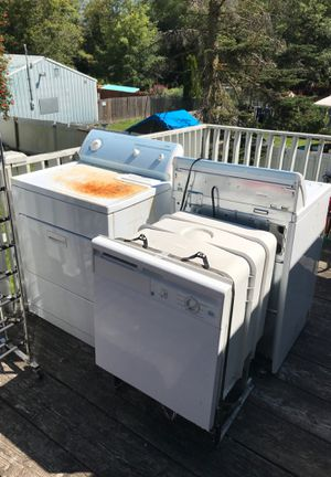 FREE. Kenmore 80 Series Washer & Dryer. PENDING PICK UP for Sale in Lynnwood, WA