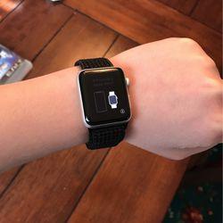 Apple Watch Series 3 38mm Silver Aluminium Silver Nylon Loop GPS + Cellular for Sale in Ashburn,  VA