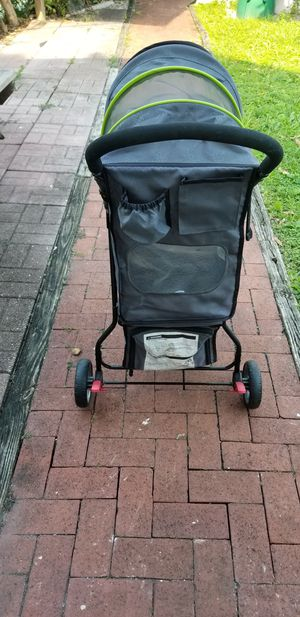 Dog stroller brand good 2 go for Sale in Miami, FL