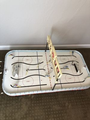 Vintage tabletop hockey game - maple leafs vs Canadians for Sale in Scottsdale, AZ