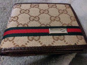 Men's Gucci wallet for Sale in Braintree, MA