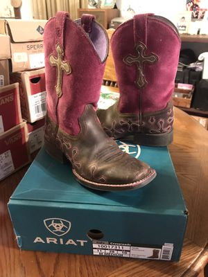 Ariat girls boots size 11 kids for Sale in San Antonio, TX
