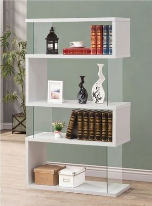 """Modern Glossy White & Clear 63"""" Bookcase for Sale in Carrollton, TX"""