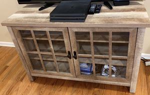 Tv stand (50 inch tv) for Sale in Macomb, MI