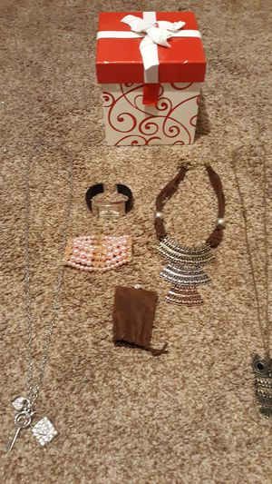 Jewelry and gift box for Sale in Moreno Valley, CA