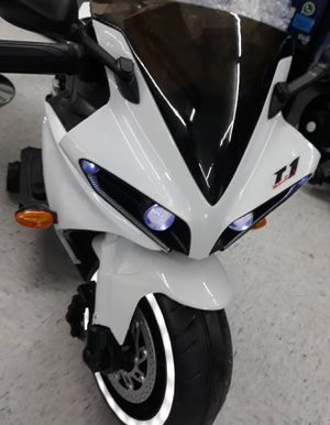 Kid's RIDE ON BIKE Rechargeable Electric Scooter for Sale in Houston, TX