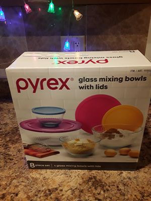Pyrex 8 piece Bowl set for Sale in Chicago, IL