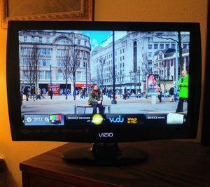 """22"""" Vizio VIA Razor LED LCD 1080p HDTV for Sale in Norman, OK"""