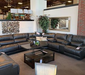 Amor 🌹McCaskill Sectional for Sale in Pflugerville, TX