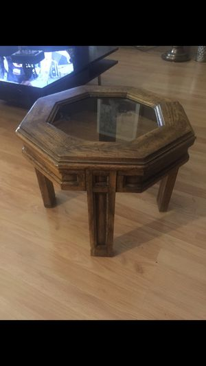 Side tables. Available 2 for Sale in Phoenix, AZ