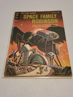 Space Family Robinson #2 Lost In Space, Gold Key Comics 1962 Rare Silver Age Science Fiction Horror Comic Book for Sale in Fresno,  CA