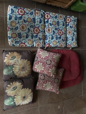 Patio furniture cushions and pillows for Sale in Spring, TX