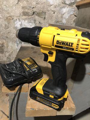 Drill regular nuevo cargador y batería usados for Sale in Nahant, MA