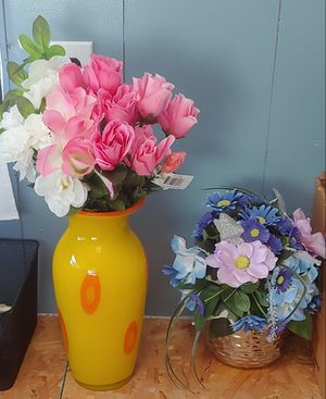 2x Decor Vase & Pot with flowers for Sale in San Diego, CA