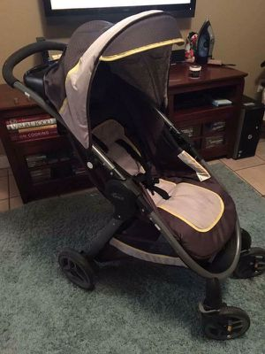 Graco fast fold stroller travel system for Sale in San Diego, CA