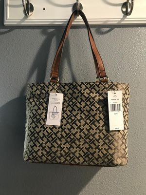 New Tommy Hilfiger shopper bag 6950544 272 retail $98 for Sale in Pasco, WA