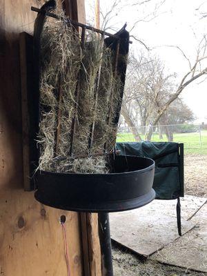 Soldadora/ welding. Horse feeder. Comederos para caballos for Sale in Dallas, TX