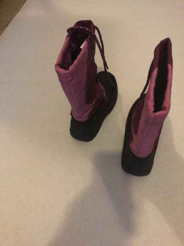 Like new girls snow rain boots size 12