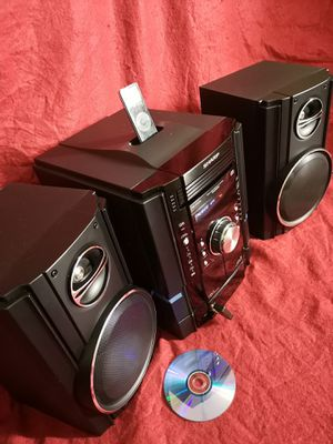 Speaker System, AM/FM, Dual Cassette, Audio in, 5CD Changer, iPhone iPod docks, Bluetooth. CD not work for Sale in Richardson, TX