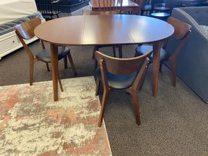 BRAND NEW IN BOX Mid Modern Oval Round Dining Table Set Of 5 w/ Extendable Leaf Mid Century Style B Delivery Available for Sale in Stafford, TX