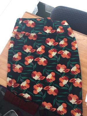 Floral Lularoe Pencil Skirt (XS in Women's (can fit a s though)) for Sale in Germantown, MD