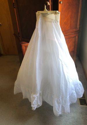 David's Bridal- Tulle wedding dress slip for Sale in Grain Valley, MO