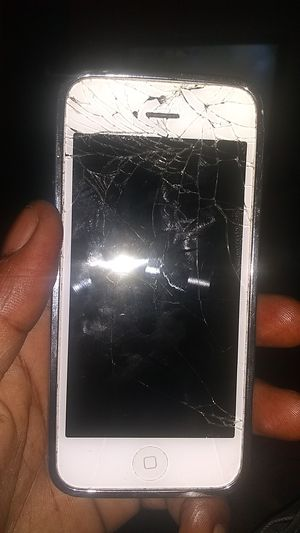IPhone 5 White for Sale in Kansas City, MO