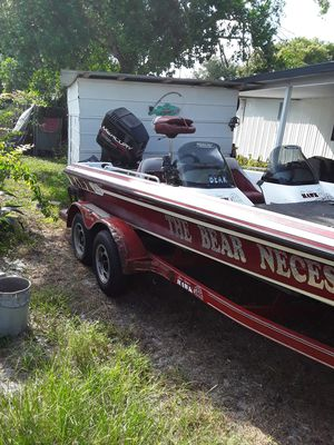 1998 21' bass boat for Sale in Eagle Lake, FL