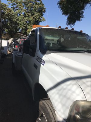 Ford f450 tow truck for Sale in Los Angeles, CA