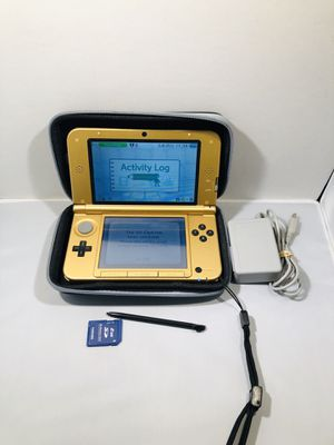 Nintendo 3ds xl gold Zelda link between worlds system for Sale in Long Beach, CA