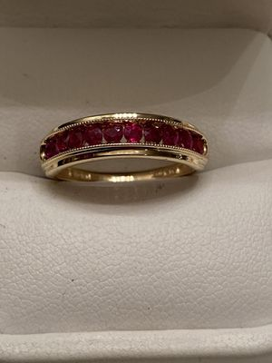 BEAUTIFUL GOLD & RUBY RING SIZE 7 for Sale in Brentwood, CA