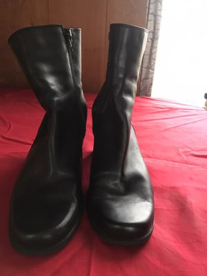 Madison & max boots sz 9M for Sale in Hublersburg, PA