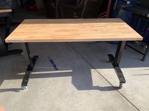 Husky Mesa de trabajo ajustable for Sale in Riverside, CA