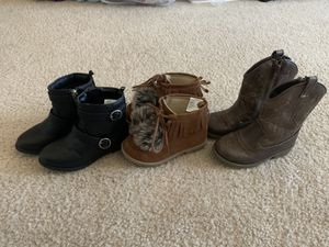 3 pairs of EUC 8t toddler girls boots for Sale in Raleigh, NC